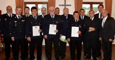 Verdiente Feuerwehrleute geehrt